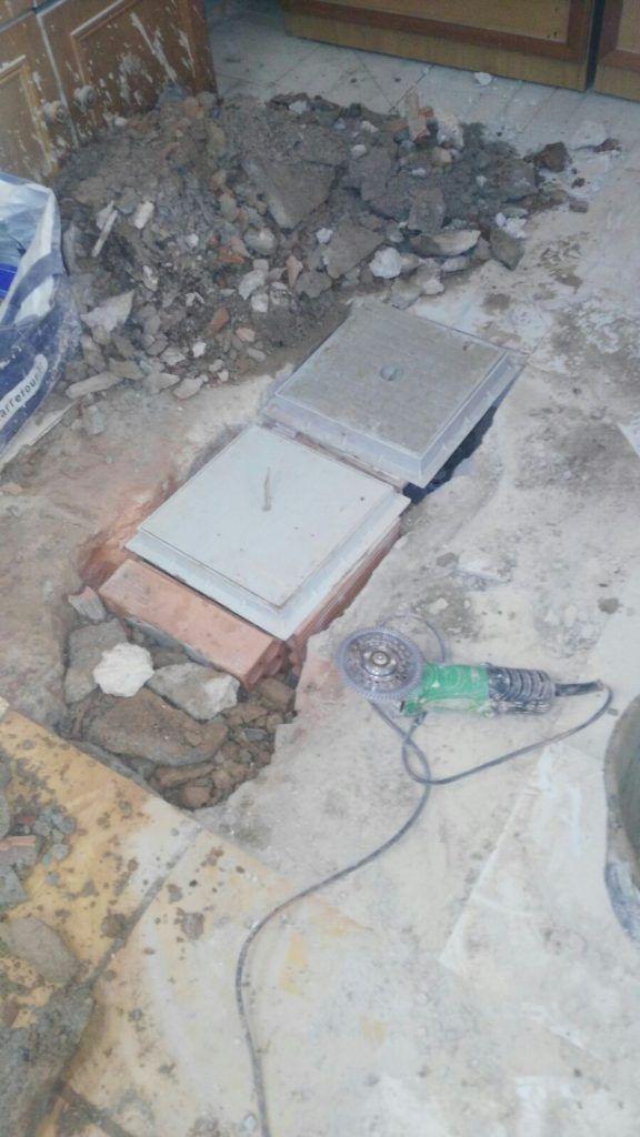 Instalación de valvula para aguas fecales en Barcelona